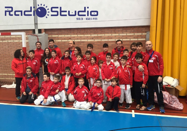 SUANCES: 14 MEDALLAS DEL KARATE LOCAL